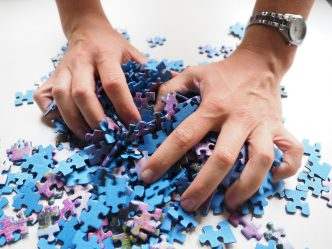 pieces-of-the-puzzle-592785_1280